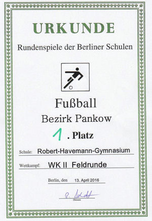 Platz 1 Fussball April 2016